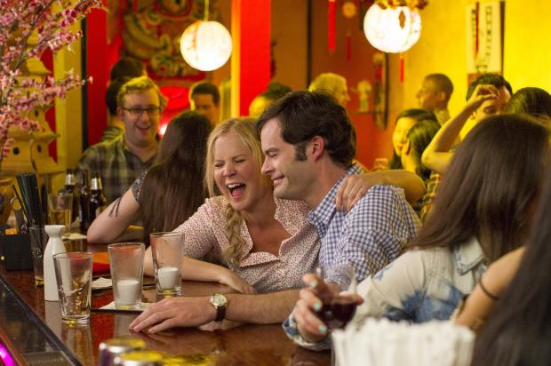 "Amy Schumer og Bill Hader i ""Trainwreck"". Foto: Universal Pictures"